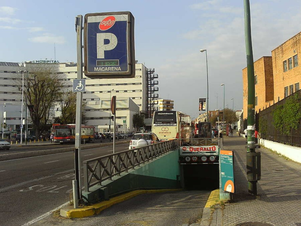 La Macarena Parking