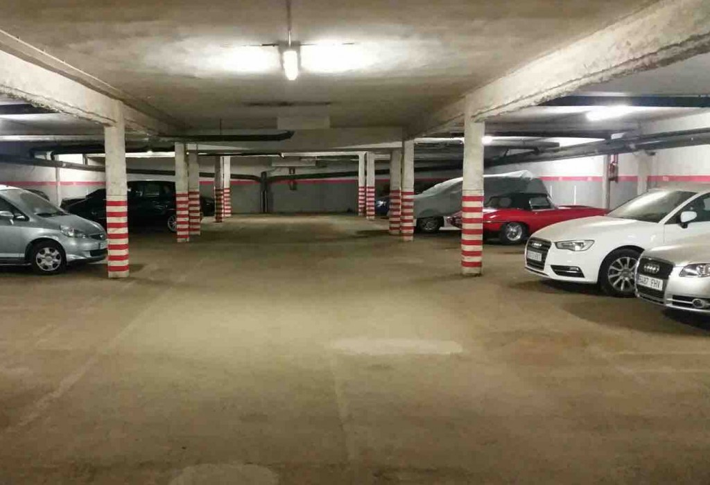 plazas coches parking sarria