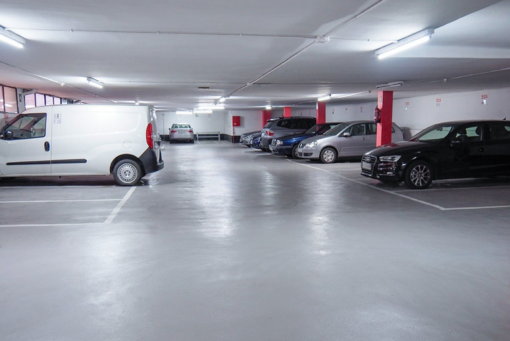 Plaza parking la sagrera Barcelona
