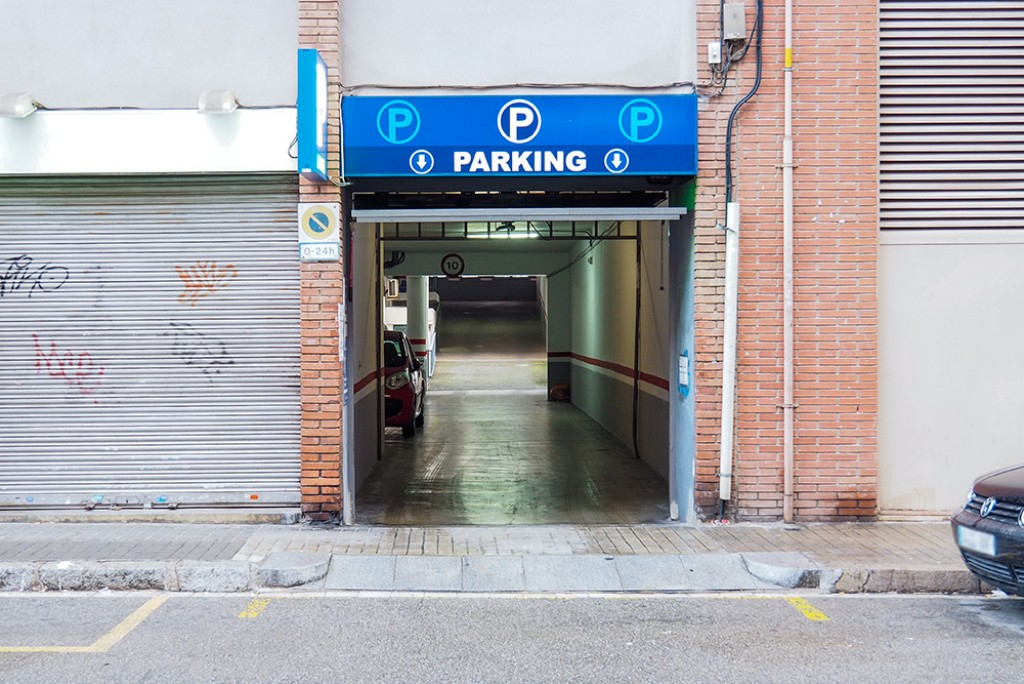 parking guinardo low cost