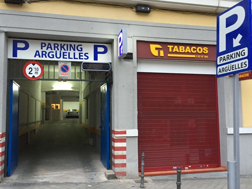 Entrada Parking Arguelles Madrid