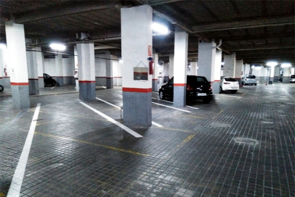 Parking Calle Ibiza Plazas