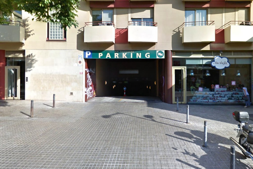 Parking Travessera de Gracia - Entrada principal