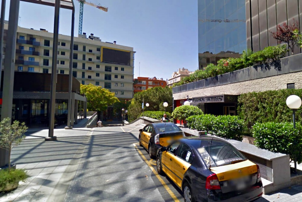 Parking NN Avenida Diagonal entrada