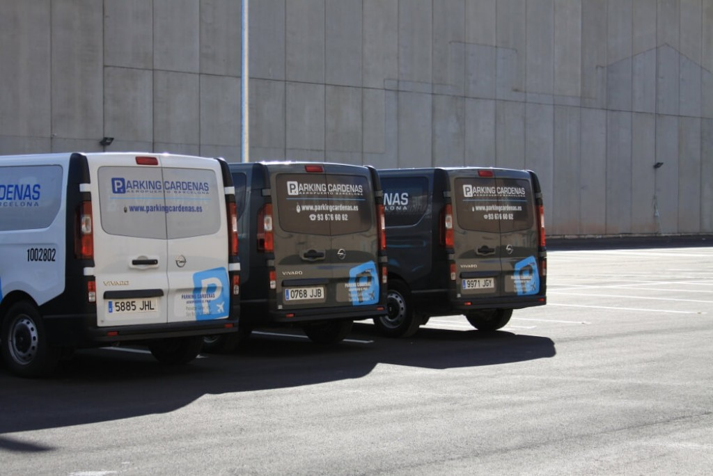 Reserva online al 70 parking low cost el prat 24h parkapp for Barcelona paris low cost
