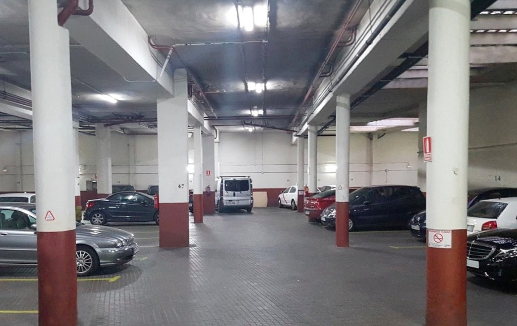 Parking barato en La Latina Madrid. Reserva tu plaza de parking low cost y ahorra hasta un 50% con Parkapp.